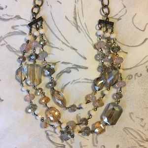 Jewelry - Lovely jeweled necklace
